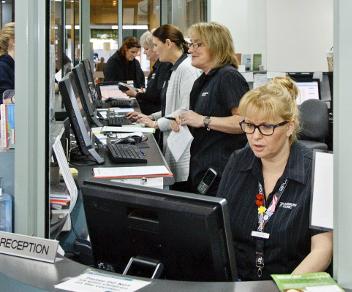 На приеме у медсестричек онлайн